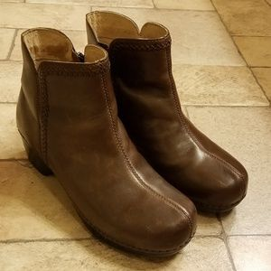 Dansko Brown Leather Booties Shoes 9.5 10 Size 40